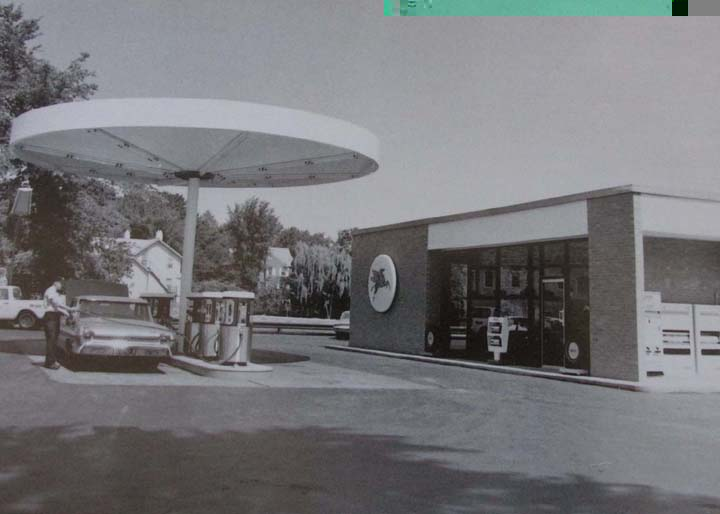 Gas Stations In California >> Eliot Noyes-designed gas station for Mobil (1960s)